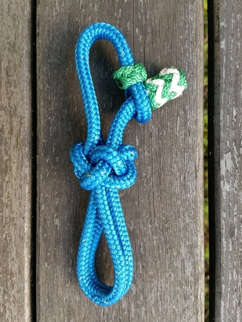 Rope connector for braided rope halters